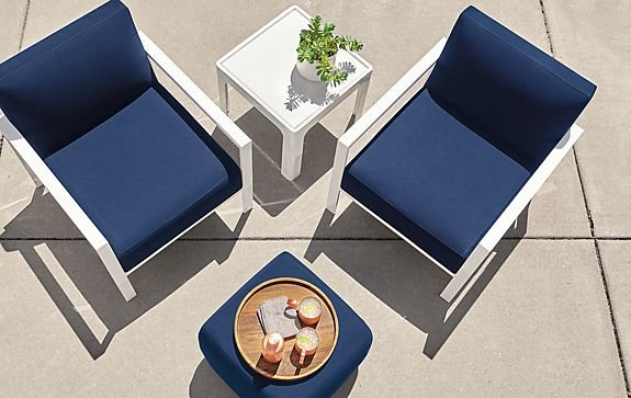 Isles Chair with Lind Ottoman
