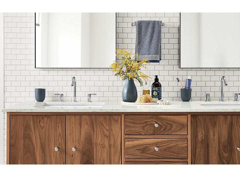 Linear Vanity and Countertop Accessories