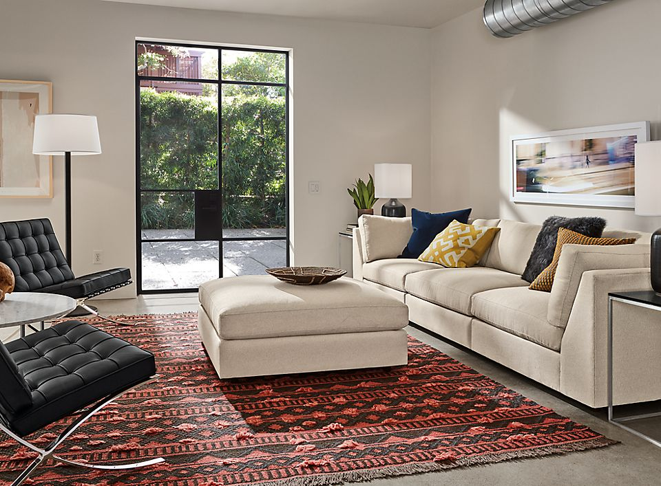 Detail of Linger three-piece modular sofa