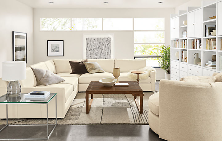 Detail of Linger three-piece leather sectional