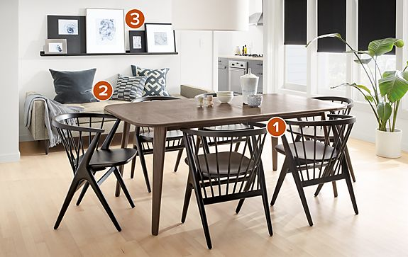 Lowell Extension Table with Soren Chairs