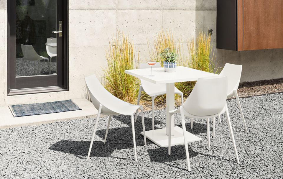 Detail of Maris square table in white
