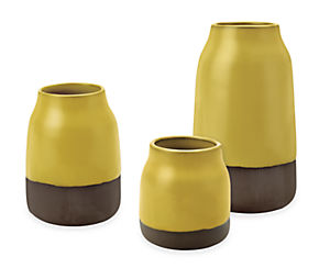 Combination of Meadow vases in saffron configuration