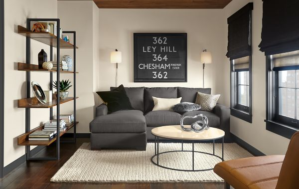 Metro Sofa with Reversible Chaise Room Modern Living Room