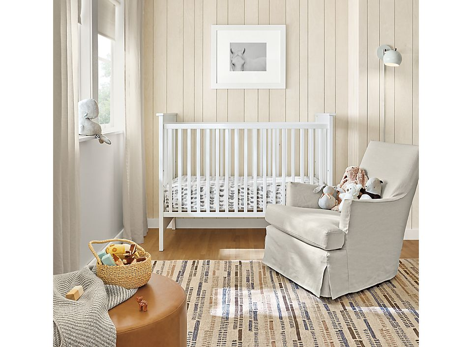 Modern Nest crib in white