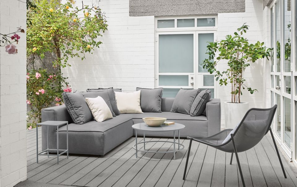 Detail of Oasis outdoor two-piece sectional