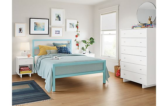 Parsons Bed in Ocean with Moda Dresser in White