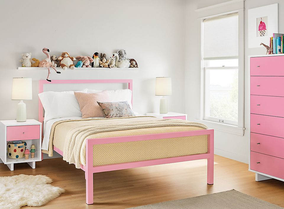 Detail of Parsons full bed in pink