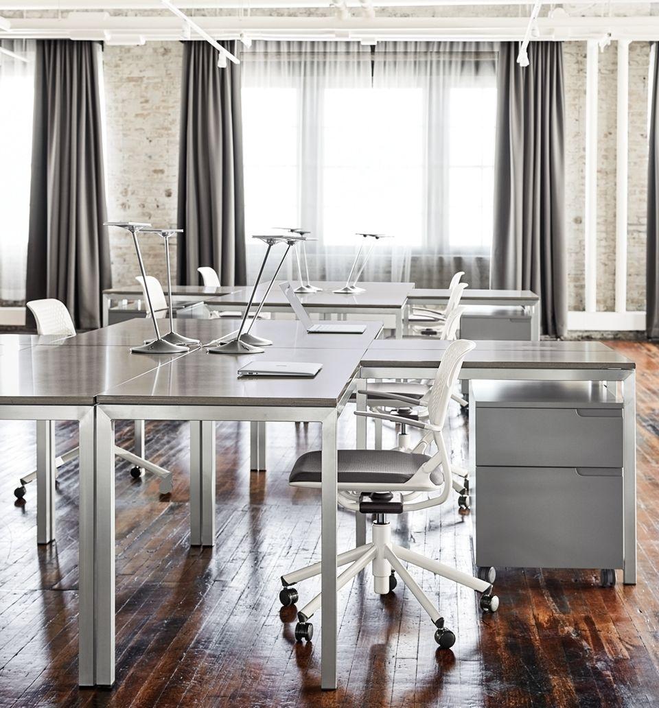 Detail of Portica l-shaped desk