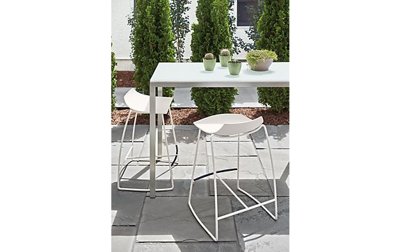 Portica Outdoor Counter with Hoop Stools