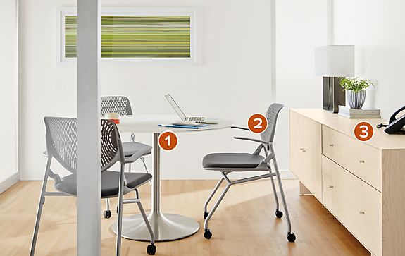 Runa Chairs with the Aria Table