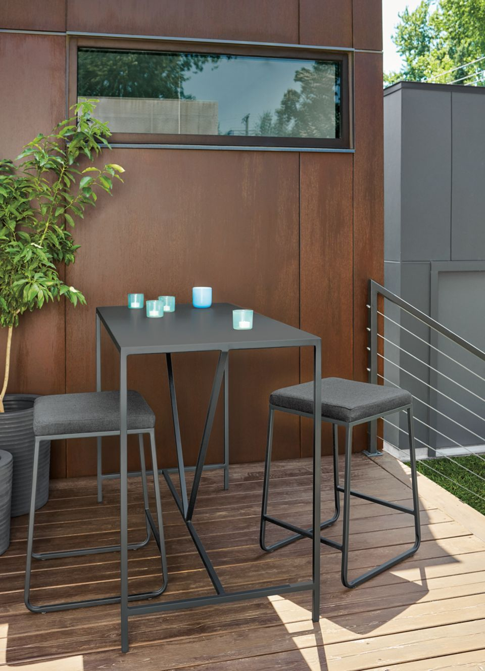 Detail of Slim outdoor counter table in graphite