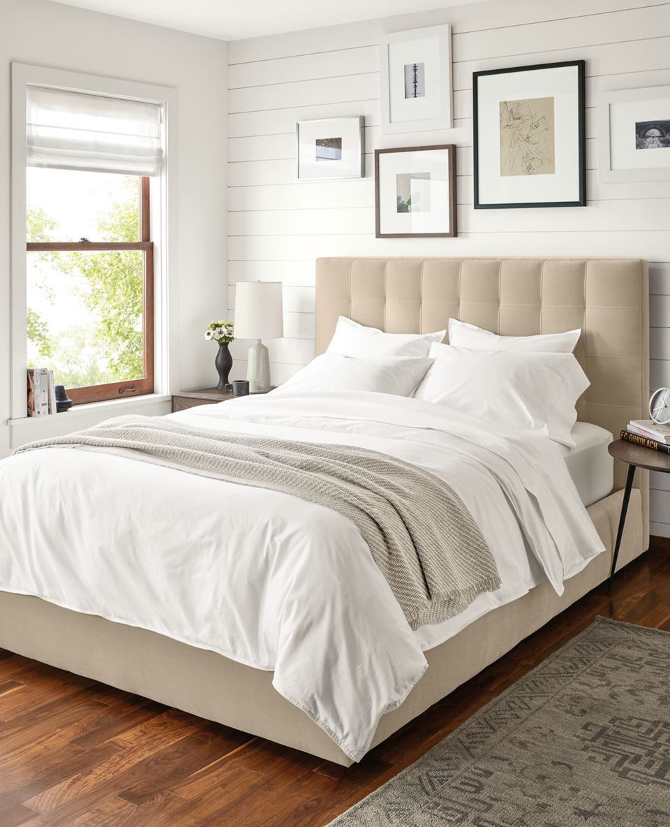 Detail of Sommerville Percale full/queen duvet cover in white