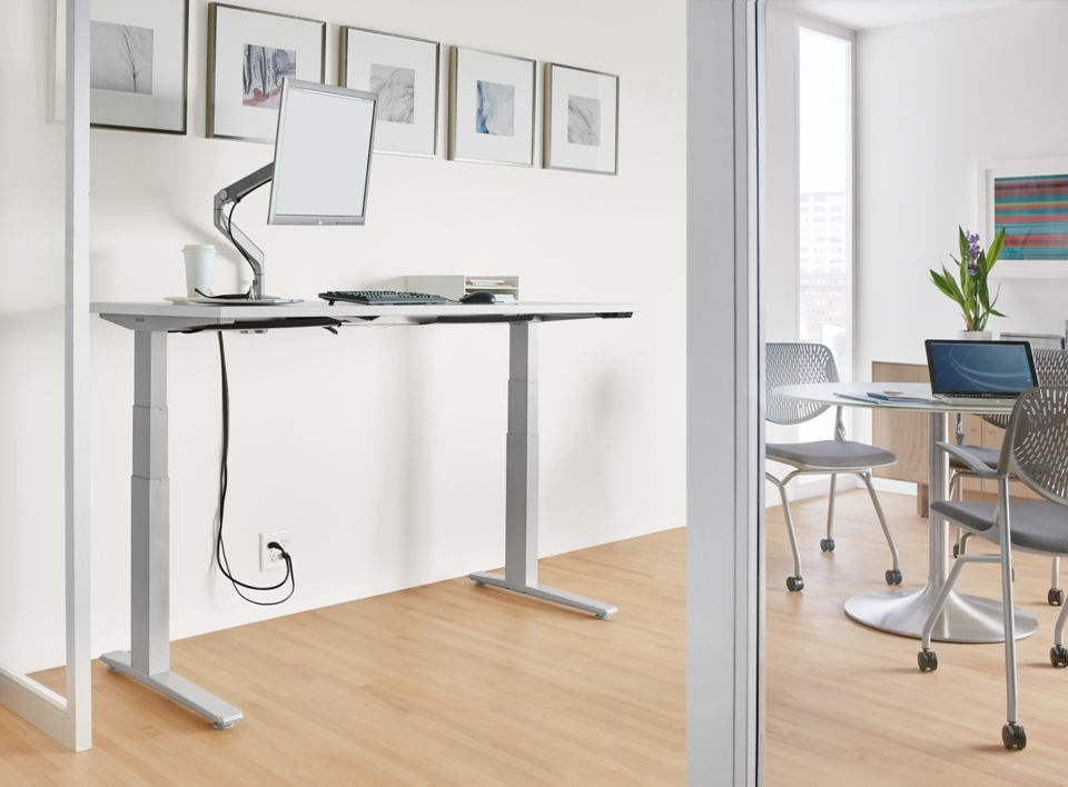 Detail of SW electic height adjustable desk