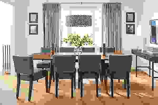 Detail of extension Ventura dining table in walnut